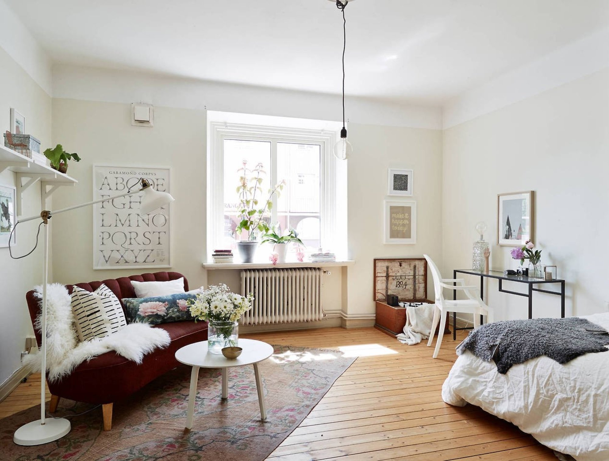 If you are looking for inspiration on how to decorate your small bedroom check out these fantastic spacesaving design and furniture ideas